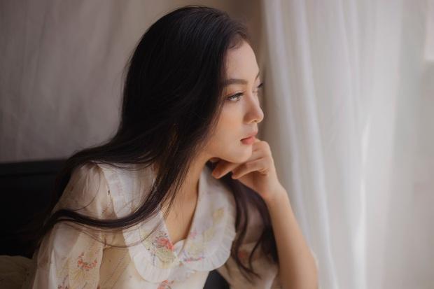Em Bi - ứng viên Hoa hậu Việt Nam 2020 bị soi ra điểm vô lý khi khoe body bốc lửa - Ảnh 4.