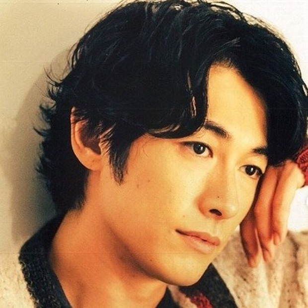 Top 10 mỹ nam hàng đầu Nhật Bản: Chồng nguyên mẫu Ran Mori chỉ xếp thứ 3, nhường chỗ 2 nam thần sở hữu vẻ đẹp phi giới tính - Ảnh 33.