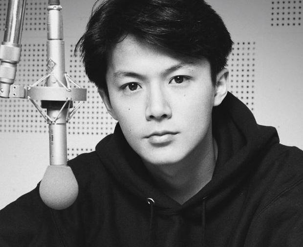 Top 10 mỹ nam hàng đầu Nhật Bản: Chồng nguyên mẫu Ran Mori chỉ xếp thứ 3, nhường chỗ 2 nam thần sở hữu vẻ đẹp phi giới tính - Ảnh 17.