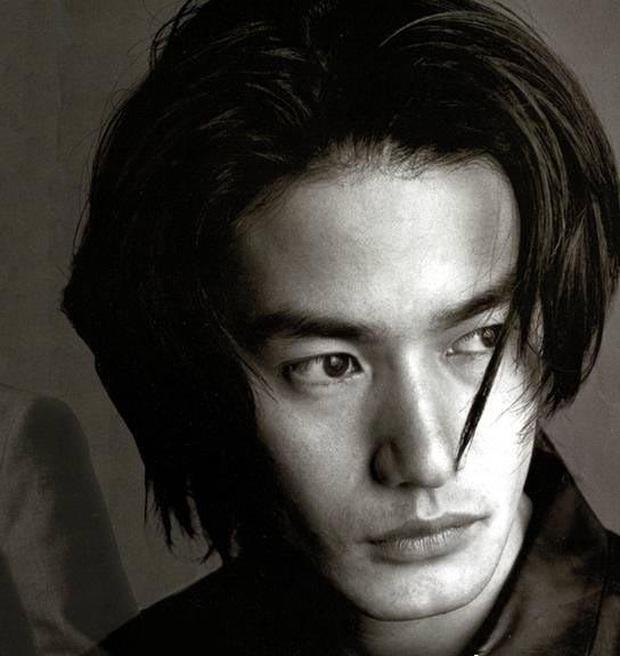 Top 10 mỹ nam hàng đầu Nhật Bản: Chồng nguyên mẫu Ran Mori chỉ xếp thứ 3, nhường chỗ 2 nam thần sở hữu vẻ đẹp phi giới tính - Ảnh 27.