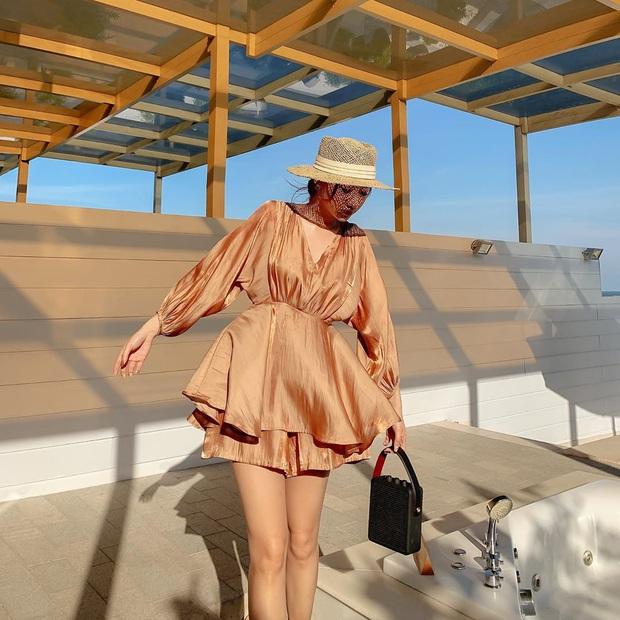 """10 mẫu váy diện đi biển xinh ngất ngây, nhiều bộ không kén dáng nàng nào cũng """"cân"""" dễ dàng - Ảnh 7."""
