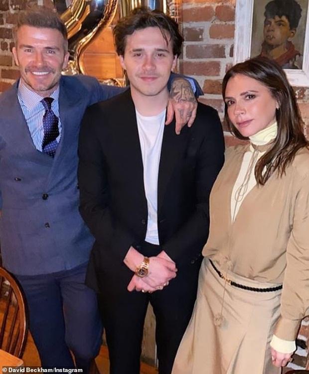 Brooklyn Beckham sẽ tổ chức siêu đám cưới 120 tỷ đồng do bố vợ tỷ phú chi tiền, bé Harper trở thành phù dâu? - Ảnh 3.