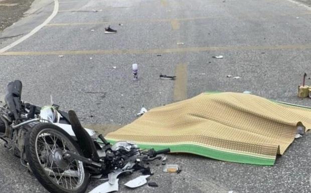 Va chạm xe container ở Hoà Bình, người phụ nữ Mexico đi xe máy tử vong thương tâm - Ảnh 1.