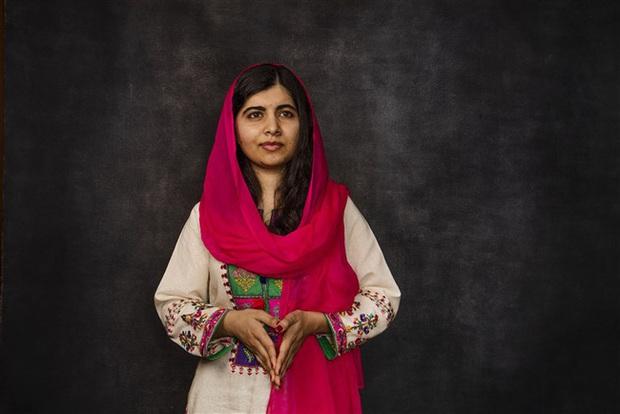 Malala Yousafzai: Cô gái hồi sinh ngoạn mục sau khi bị bắn vào đầu năm 15 tuổi và trở thành biểu tượng toàn cầu cho giáo dục nữ giới - Ảnh 1.