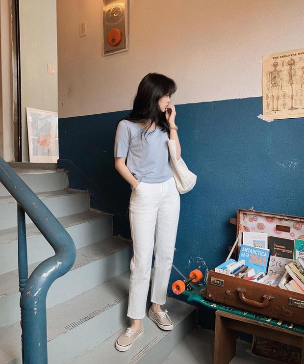 BTV thời trang gọi tên 4 items trông thì đơn giản, ai cũng mặc được nhưng lại có sức mạnh sang xịn hóa style ghê gớm - Ảnh 2.