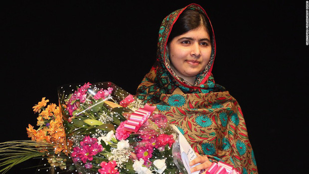 Malala Yousafzai: Cô gái hồi sinh ngoạn mục sau khi bị bắn vào đầu năm 15 tuổi và trở thành biểu tượng toàn cầu cho giáo dục nữ giới  - Ảnh 4.
