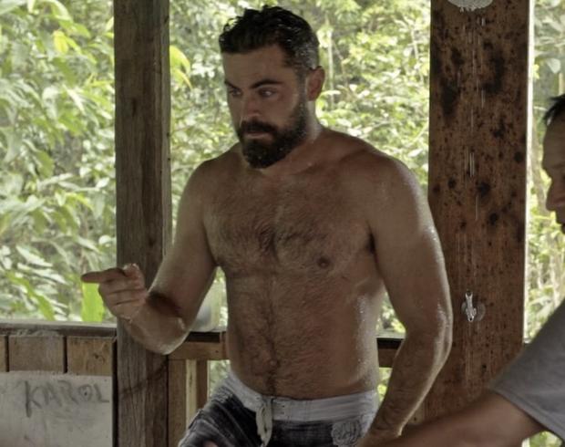 Khó mà nhận ra hot boy bóng rổ một thời Zac Efron với hình tượng râu ria xồm xoàm trên show mới! - Ảnh 10.