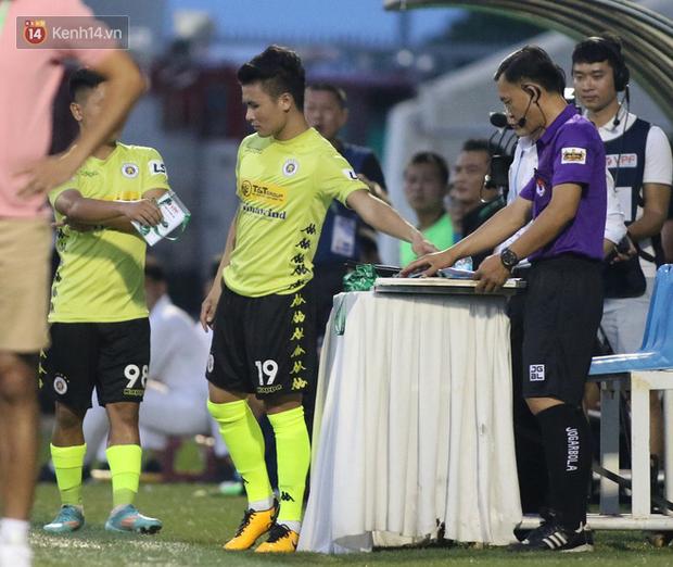 Cựu tuyển thủ U19 Việt Nam đánh lén đối phương, bị đuổi khỏi sân chỉ sau 15 phút thi đấu - Ảnh 2.