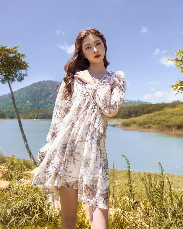 """10 mẫu váy diện đi biển xinh ngất ngây, nhiều bộ không kén dáng nàng nào cũng """"cân"""" dễ dàng - Ảnh 9."""