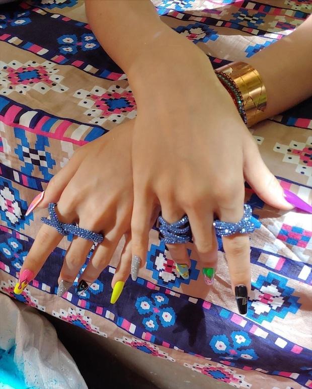 Loạt mẫu nail của Lisa quá xịn, dự là sẽ thành hot trend, các tiệm nail sắp copy rần rần - Ảnh 4.