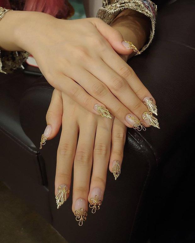 Loạt mẫu nail của Lisa quá xịn, dự là sẽ thành hot trend, các tiệm nail sắp copy rần rần - Ảnh 6.