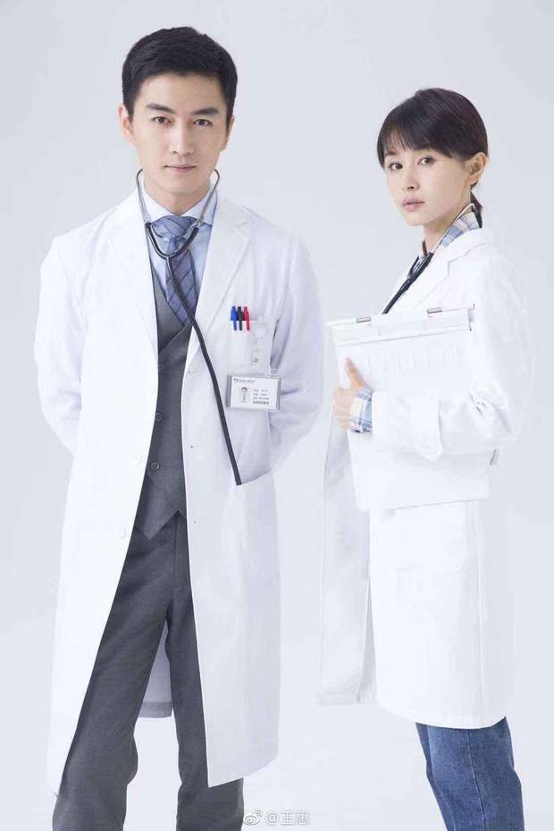 5 phim y khoa đang được hóng mòn mỏi: Sốt ruột nhất là giờ khám của nữ bác sĩ Dương Mịch - Ảnh 10.