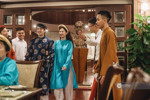 """""""Mẹ bầu"""" Đông Nhi dẫn cả gia đình đi du lịch vịnh Lan Hạ, tự tin thả dáng check-in trên du thuyền 5 sao cùng Ông Cao Thắng - Ảnh 7."""