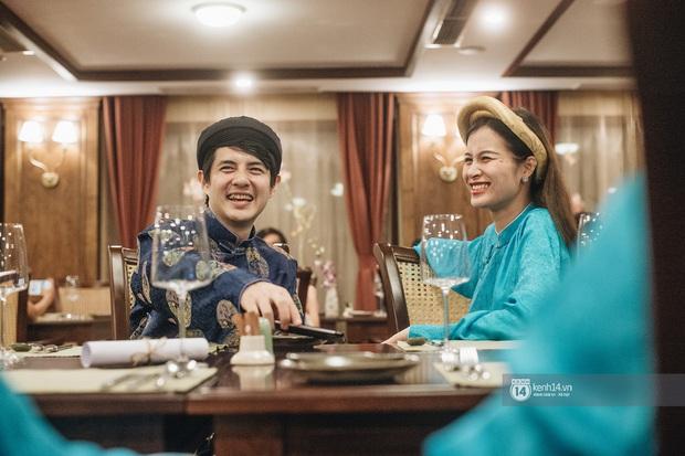 """""""Mẹ bầu"""" Đông Nhi dẫn cả gia đình đi du lịch vịnh Lan Hạ, tự tin thả dáng check-in trên du thuyền 5 sao cùng Ông Cao Thắng - Ảnh 6."""