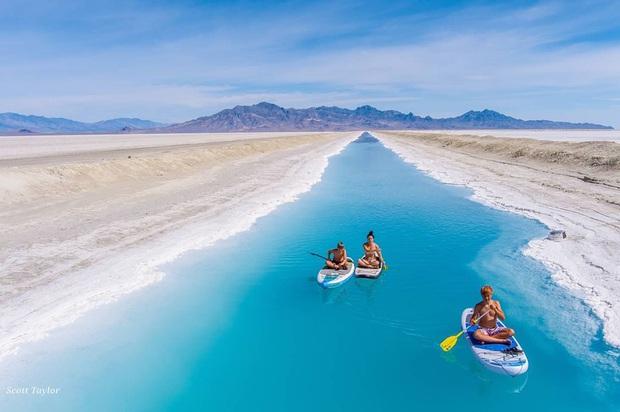 """Địa điểm nơi Vũ Khắc Tiệp """"mượn ảnh"""" để đăng lên Instagram: Hồ muối """"ảo diệu"""" nhất nước Mỹ, khách du lịch check-in nườm nượp - Ảnh 15."""