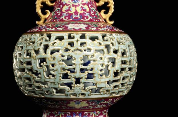 Báu vật bị lãng quên của vua Càn Long được tìm thấy ở nơi chó mèo sống, mua chỉ hơn 1 triệu đồng nhưng bán ra với giá gấp 200.000 lần - Ảnh 2.