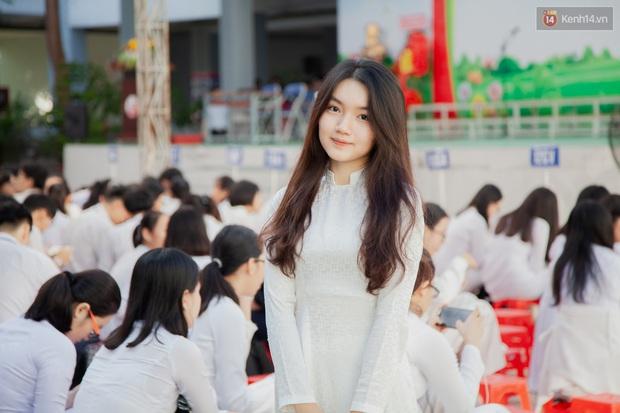 Lễ bế giảng của ngôi trường 60 năm tuổi ở Sài Gòn: Dàn nữ sinh khiến người khác ngẩn ngơ mê mẩn - Ảnh 2.