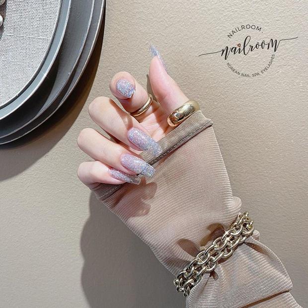Loạt mẫu nail của Lisa quá xịn, dự là sẽ thành hot trend, các tiệm nail sắp copy rần rần - Ảnh 8.