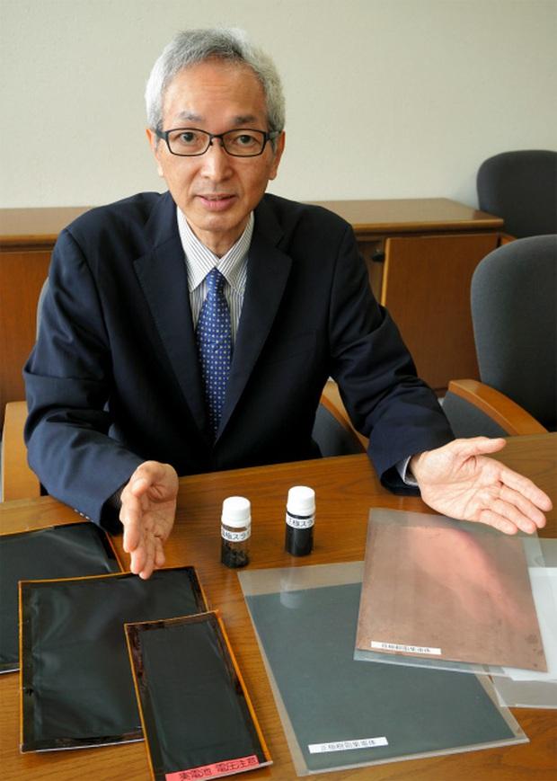 Huyền thoại ngành pin người Nhật phát minh pin polymer mới, an toàn và rẻ hơn 90%, sẽ sản xuất hàng loạt trong đầu năm tới - Ảnh 2.
