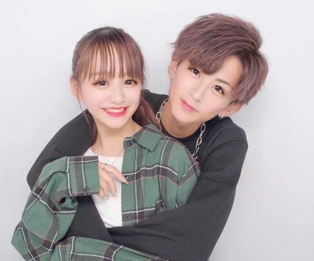Showbiz Nhật choáng trước tin mẫu nữ 16 tuổi đình đám sinh con đầu lòng, mới lớp 11 đã cưới bạn trai hơn 2 tuổi - Ảnh 2.