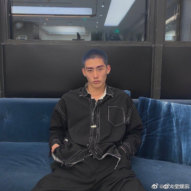 Drama ầm ĩ Weibo: Học trò Lisa lộ ảnh nhạy cảm với mẫu nam kém 6 tuổi, ngay lập tức bị bóc phốt là tiểu tam - Ảnh 10.