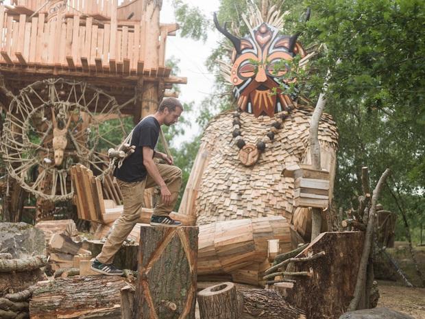 Cùng là những bức tượng khổng lồ, khu vui chơi ở Đà Lạt bị chê tơi tả còn công viên này lại khiến thế giới phải lác mắt vì quá nghệ - Ảnh 2.