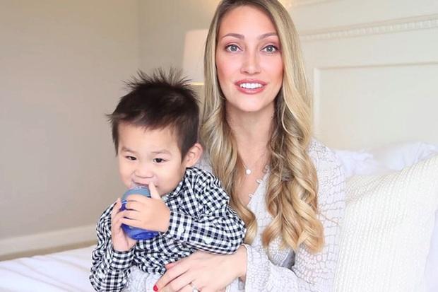 Góc khuất sau các kênh YouTube gia đình nổi tiếng: Phía sau hào nhoáng là nỗi tủi hờn của những đứa trẻ bị cha mẹ biến thành công cụ kiếm tiền - Ảnh 3.