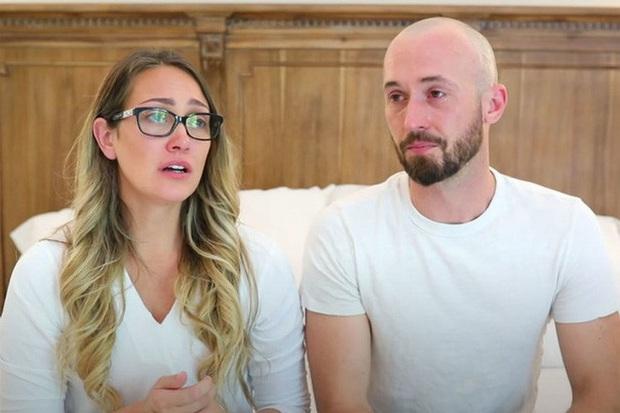 Góc khuất sau các kênh YouTube gia đình nổi tiếng: Phía sau hào nhoáng là nỗi tủi hờn của những đứa trẻ bị cha mẹ biến thành công cụ kiếm tiền - Ảnh 4.