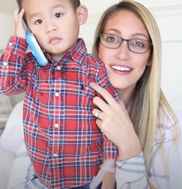 Góc khuất sau các kênh YouTube gia đình nổi tiếng: Phía sau hào nhoáng là nỗi tủi hờn của những đứa trẻ bị cha mẹ biến thành công cụ kiếm tiền - Ảnh 5.