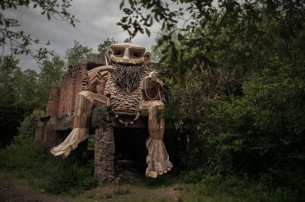 Cùng là những bức tượng khổng lồ, khu vui chơi ở Đà Lạt bị chê tơi tả còn công viên này lại khiến thế giới phải lác mắt vì quá nghệ - Ảnh 6.