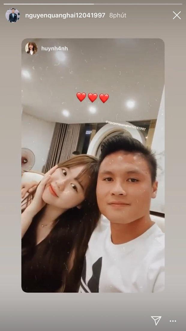 Huỳnh Anh được đồng nghiệp của Quang Hải gọi là quý bà vì cách vấn tóc, chọn trang phục - Ảnh 3.
