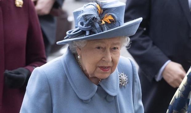 Xôn xao tin Nữ hoàng Anh sẽ sớm thoái vị: Dành cả đời để phụng sự đất nước, liệu bà đã thật sự sẵn sàng để nhường ngôi? - Ảnh 2.