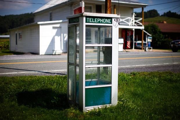 Thị trấn dành cho người muốn cai nghiện điện thoại, ai lén lút dùng là bị bế về đồn luôn - Ảnh 7.