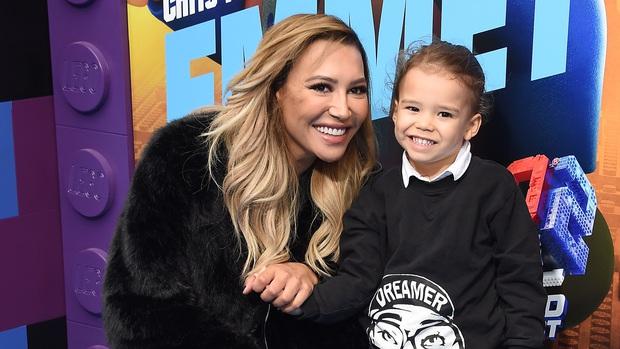 Trước khi mất tích, cố diễn viên Glee Naya Rivera đã gửi một bức ảnh cho gia đình với hi vọng cứu con trai - Ảnh 2.