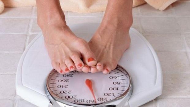 5 triệu chứng xuất hiện trong cơ thể cho thấy chức năng gan bị suy giảm, làm ngay 3 việc để bảo vệ gan - Ảnh 1.