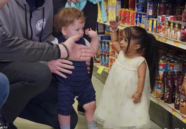 Cao 61cm và chỉ nặng hơn 5kg, cô gái từng sở hữu kỷ lục Guinness là người phụ nữ nhỏ nhất thế giới bây giờ ra sao - Ảnh 5.