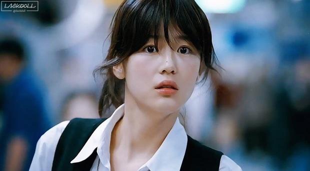 Dân tình rớt liêm sỉ vì loạt ảnh Jeon Ji Hyun - Son Ye Jin thời đỉnh cao, bảo sao thành biểu tượng nhan sắc ở Hàn - Ảnh 3.
