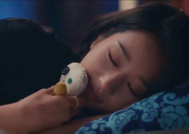 Bắt lỗi Seo Ye Ji trong Điên Thì Có Sao: Đi ngủ vẫn makeup, tô son kẻ mắt như đúng rồi, các nàng chớ dại học theo - Ảnh 4.