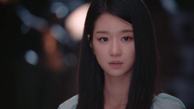 Bắt lỗi Seo Ye Ji trong Điên Thì Có Sao: Đi ngủ vẫn makeup, tô son kẻ mắt như đúng rồi, các nàng chớ dại học theo - Ảnh 5.