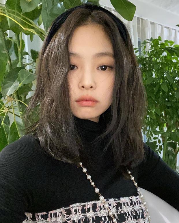 Gái xinh gây sốt với khoảnh khắc như sinh đôi với Jennie (BLACKPINK), hoá ra là người quen có tận 1,5 triệu follow - Ảnh 2.
