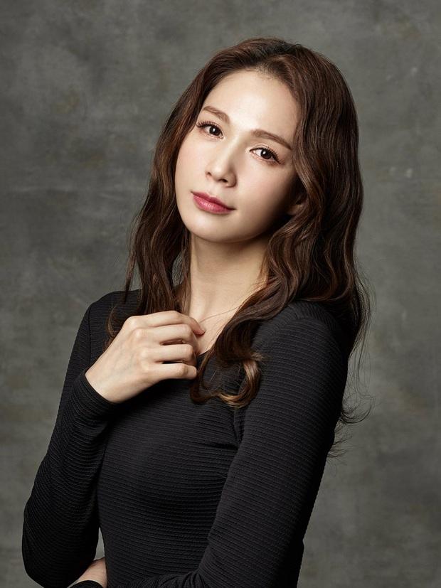 5 nữ idol Kpop cùng mang tên Jiyeon: Toàn các đại diện nhan sắc, riêng biểu tượng đáng yêu dao kéo hỏng - Ảnh 7.