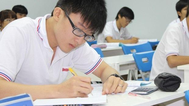 Thầy giáo chỉ ra 9 điều cần nhớ kỹ trước ngày thi tuyển sinh môn Toán lớp 10: Thành bại hay không đều nhờ những điều này cả! - Ảnh 1.