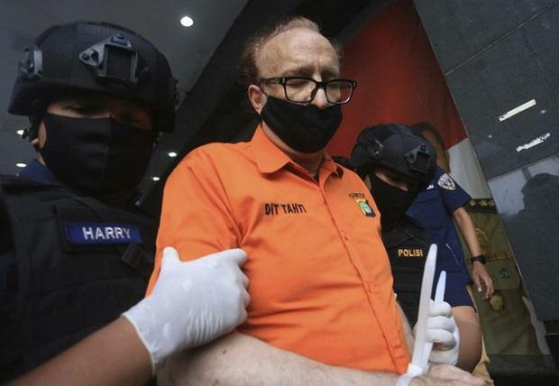 Nghi phạm người Pháp xâm hại 300 trẻ em Indonesia tử vong - Ảnh 1.