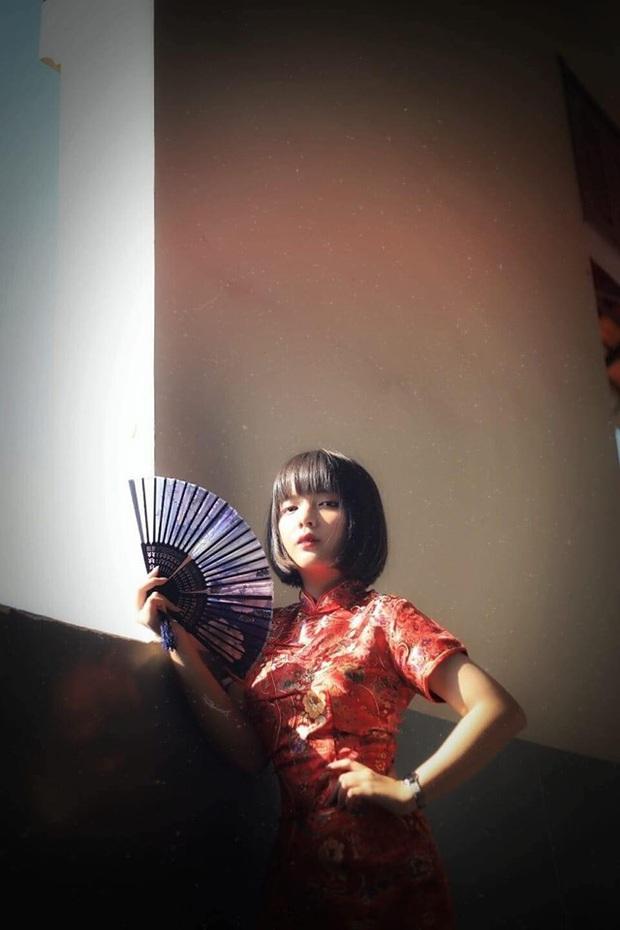 Nữ sinh được cho là hao hao Lisa (Blackpink) trong đêm Tri ân của trường Minh Khai, ảnh đời thường xinh xắn hết nấc - Ảnh 3.