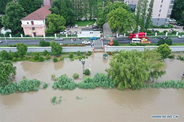Hơn nửa miền Nam Trung Quốc chìm trong nước, thiệt hại khoảng 9 tỉ USD - Ảnh 2.