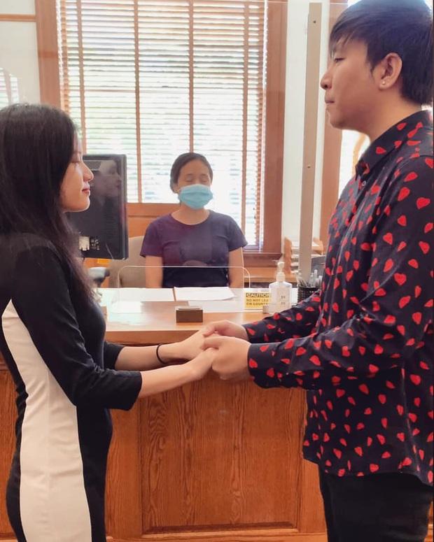 Anh Khang thông báo đã đăng ký kết hôn tại Mỹ, lần đầu để lộ diện mạo bạn gái sau bao năm giấu kín - Ảnh 2.