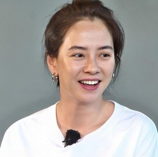Nhan sắc đỉnh cao của Mợ Ngố Song Ji Hyo trong tập đặc biệt Running Man: Dù dính bùn vẫn đẹp bất chấp! - Ảnh 4.