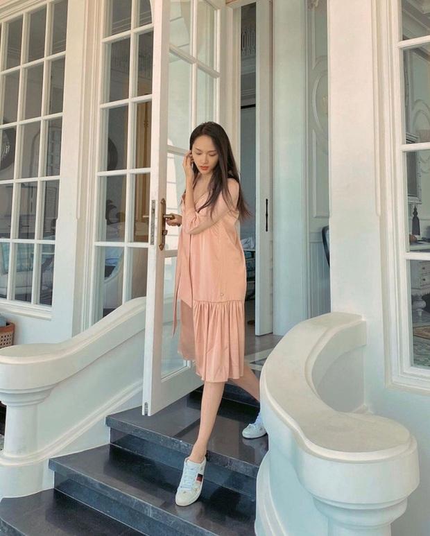 Style đi du lịch của Hương Giang thực sự xuất sắc, chị em không học hỏi là tiếc lắm cho xem! - Ảnh 6.