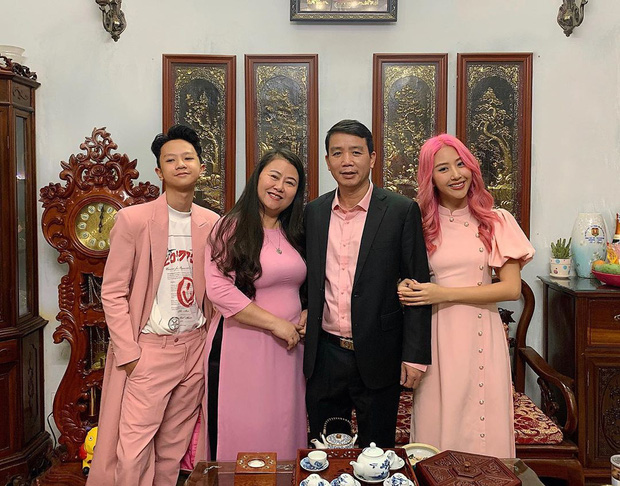 Em trai 10x của Quỳnh Anh Shyn lại khiến dân tình bất ngờ vì lên đồ quá là bảnh - Ảnh 2.