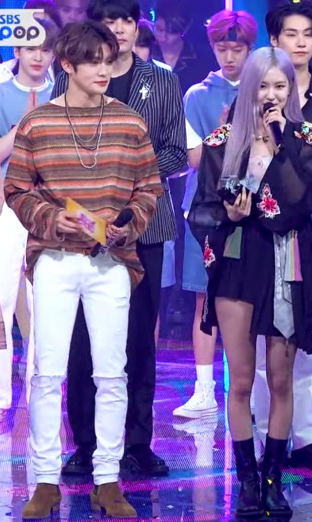 Rosé (BLACKPINK) đứng cạnh Jaehyun (NCT) nhìn rõ đẹp đôi, nhưng tất cả những gì Knet quan tâm là… chiều cao thật sự của cô nàng - Ảnh 5.